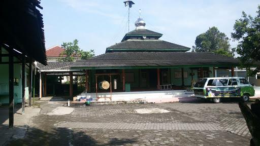 Aksi Bersih Masjid Al Muhajirin Barat Pasar Borobudur Alhamdulilah Puji