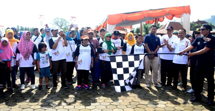 Borobudur News Jalan Sehat Kpu Ajak Masyarakat Sadar Pemilu Bupati