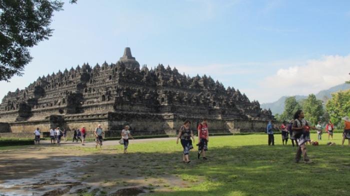 Kunjungan Wisata Magelang Tinggi Pendapatan Daerah Rendah Borobudur Kab