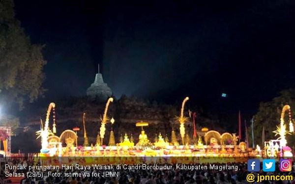 Puncak Peringatan Hari Raya Waisak Candi Borobudur Kabupaten Magelang Selasa