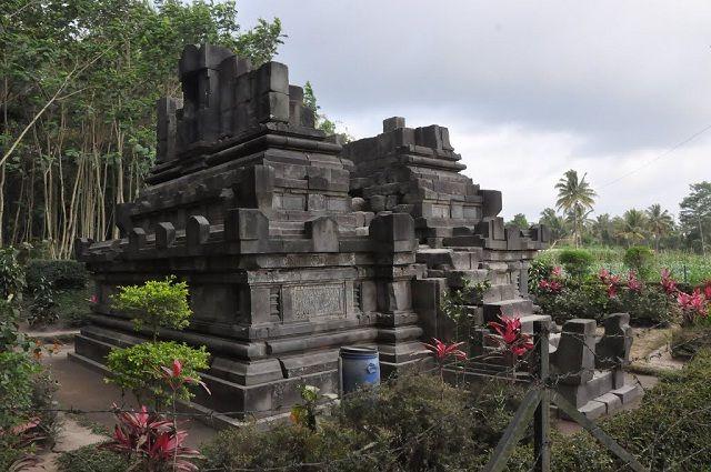 Candi Asu Magelang Mini Bercorak Hindu Tempat Wisata Indonesia Travel