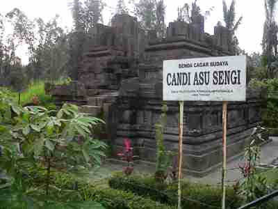 Candi Asu Sengi Catatan Perjalanan Yusuf Iskandar Kab Magelang