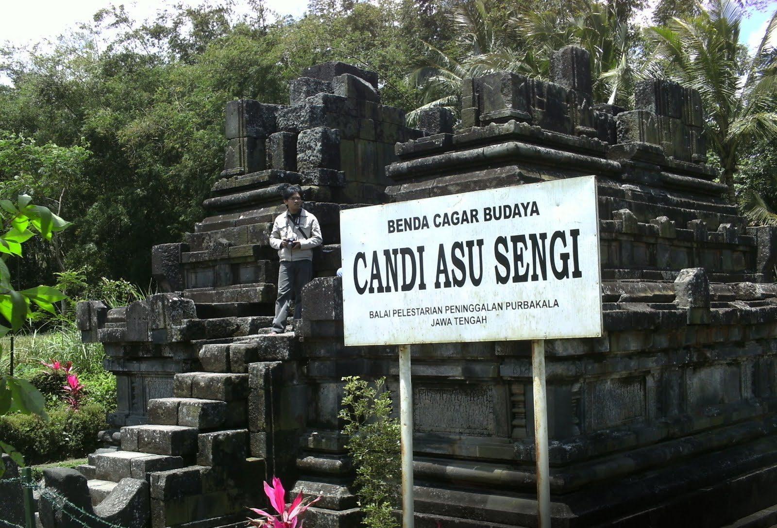 Kompleks Candi Sengi Asu Magelang Jawa Tengah Kab
