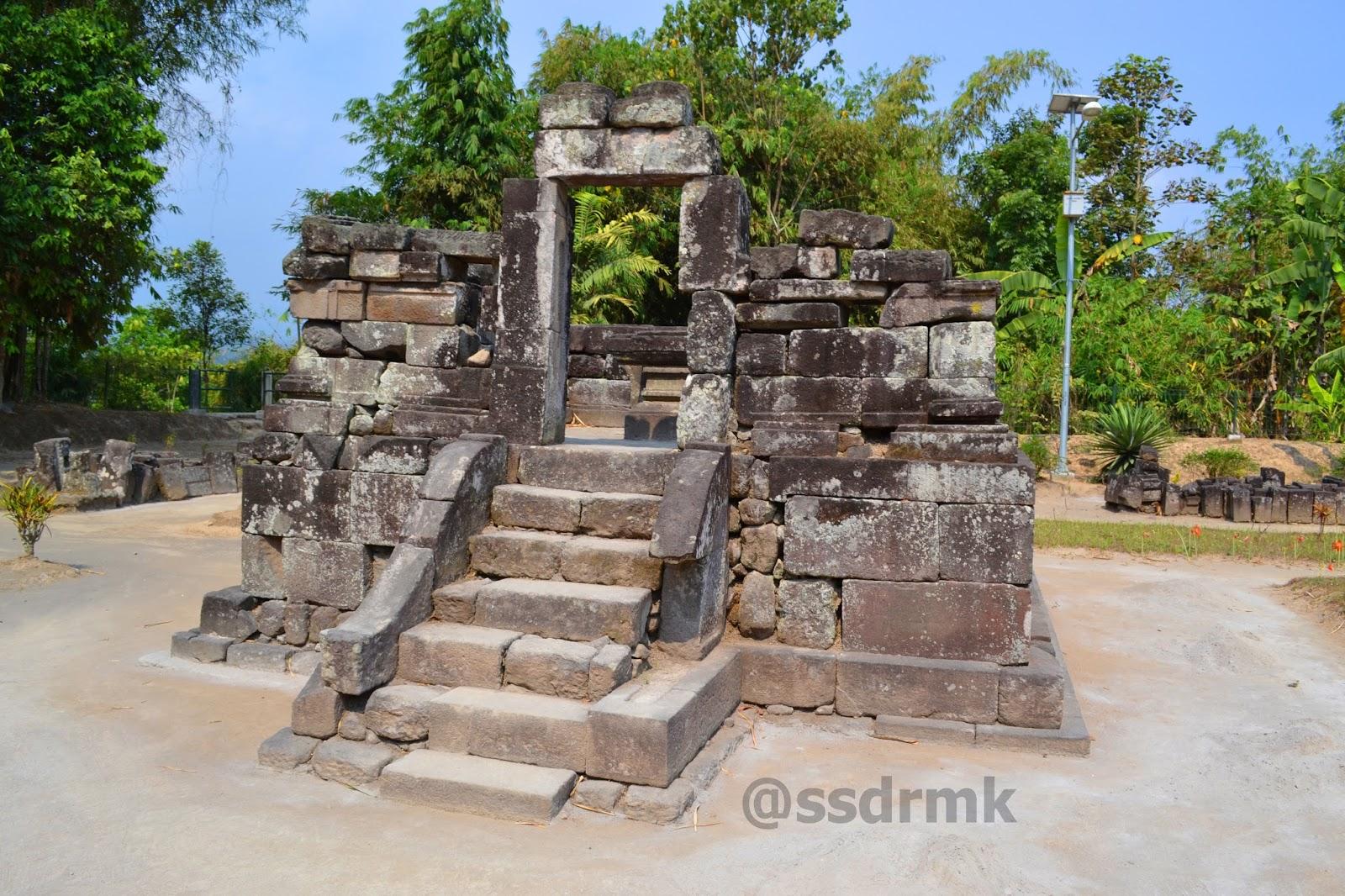 Candi Gunung Wukir Sasadara Manjer Kawuryan Perwara 1 Sari Kab