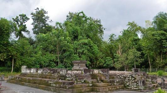 Keindahan Destinasi Wisata Candi Gunung Wukir Kadiluwih Magelang Prasasti Canggal