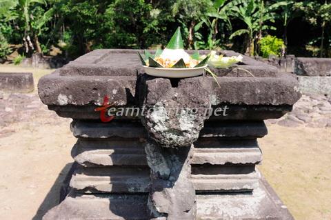Ritual Sedekah Candi Gunung Wukir Tradisi Sekitar Salaman Sesaji Berupa