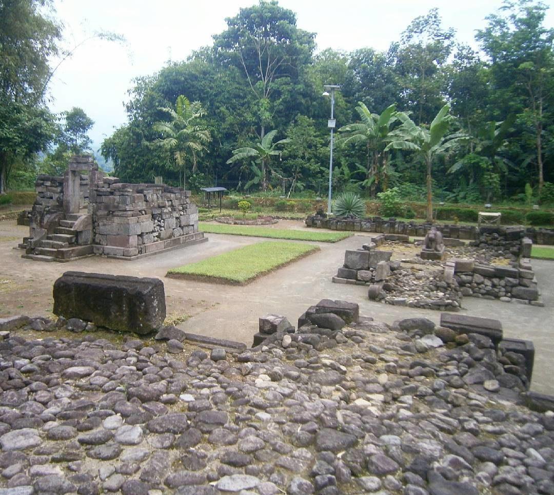 Wisata Bersejarah Alam Candi Canggal Gunung Wukir Kab Magelang