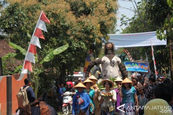 Festival Memedi Sawah Jadi Daya Tarik Wisata Candi Ngawen Salah