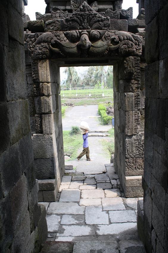 General Knowledge Sejarah Candi Ngawen Terkubur Terletak Desa Gunungpring Kecamatan