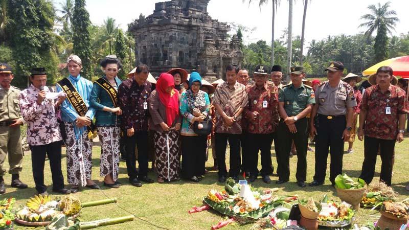 Polisi Amankan Festival Wiwit Memedi Sawah Candi Ngawen Muntilan Magelang