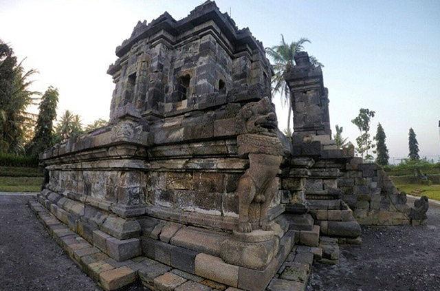 Wisata Candi Ngawen Magelang Bercorak Buddha Tempat Gambar Foto Arca