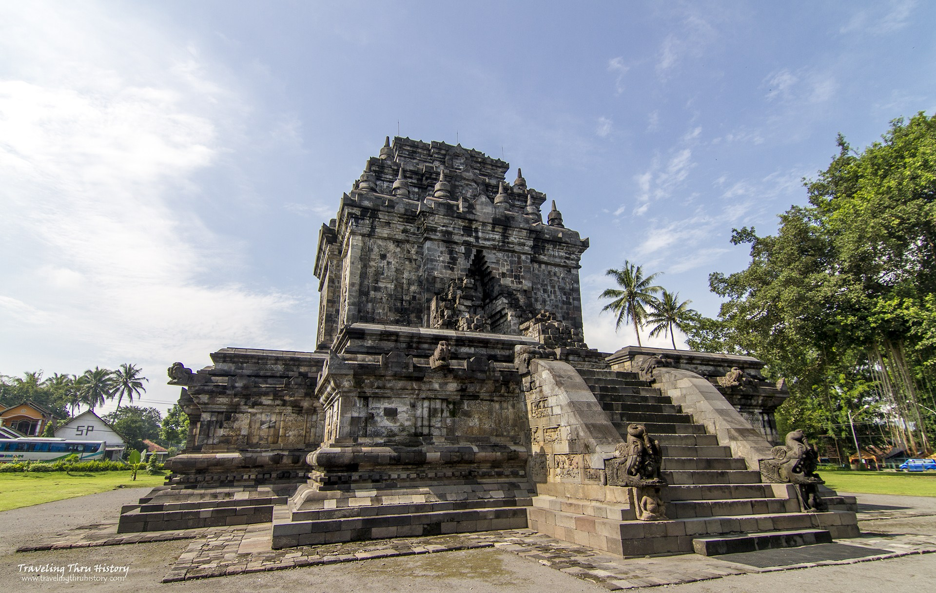 11 Candi Bisa Kamu Kunjungi Magelang Borobudur Yuk Foto Pendem