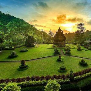 Objek Wisata Sejarah Magelang Patut Dikunjungi Blog Jadipergi 300x300 Candi