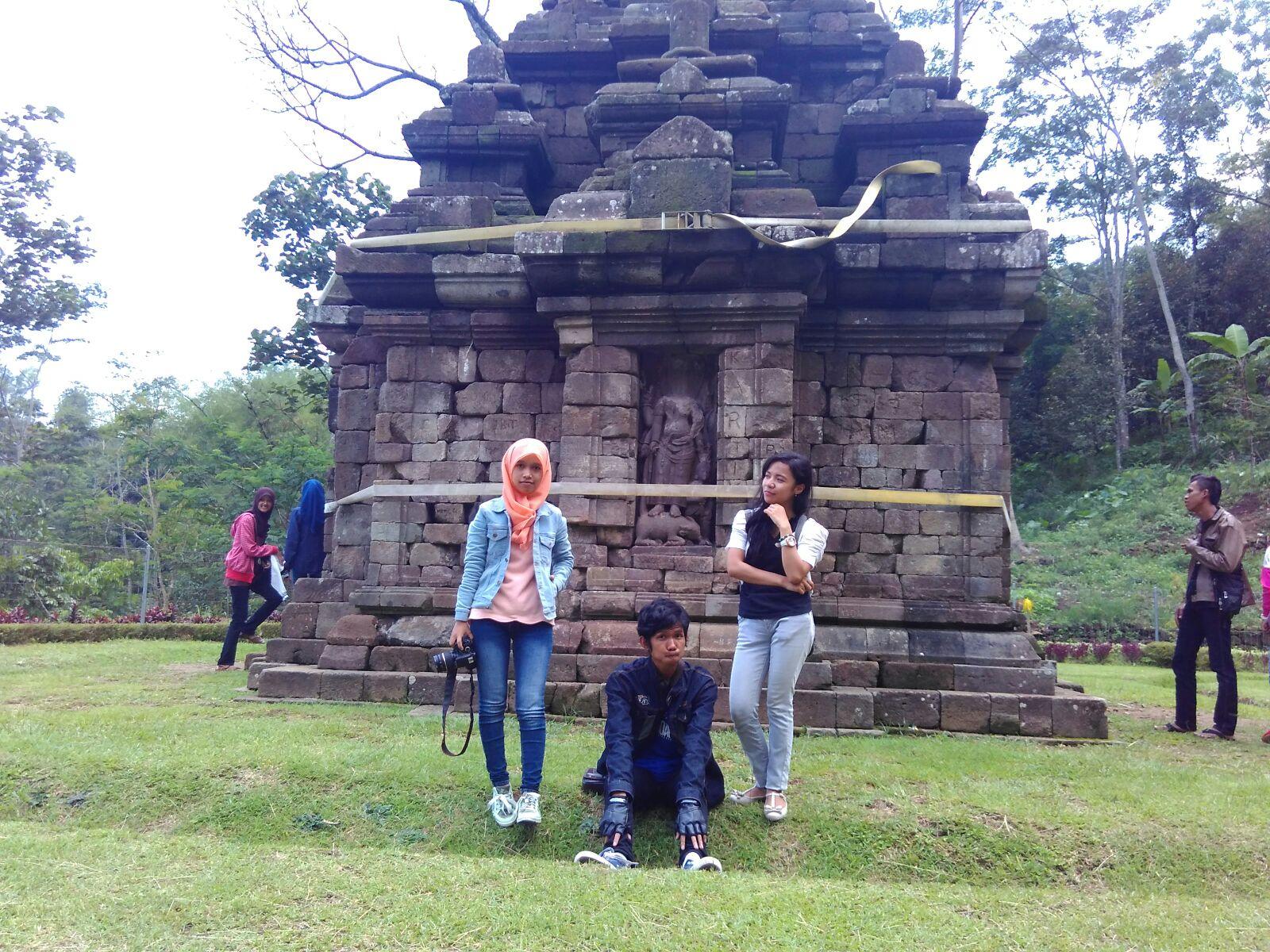 Blognya Siti Rubiyatun Candi Atas Bukit Selogriyo Kab Magelang