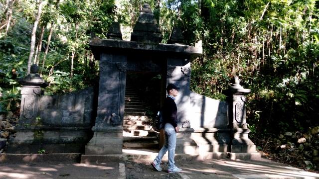Candi Selogriyo Menatap Bukit Unik Giyanti Trip Gapura Kedua Berada