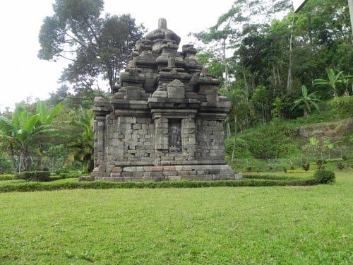 Candi Selogriyo Wisata Yogyakarta Terletak Dusun Campurrejo Desa Kembangkuning Kecamatan