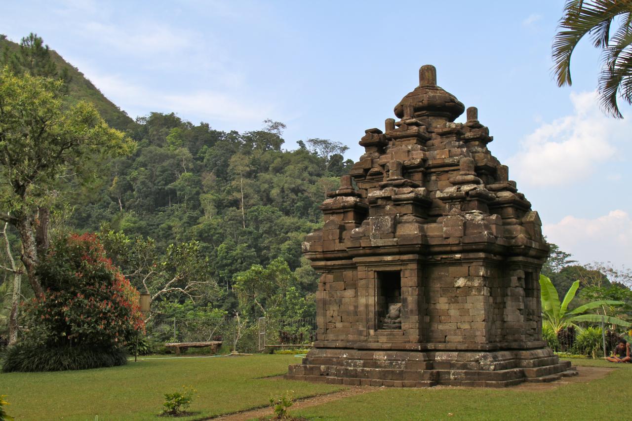 File Candi Selogriyo Hindu Temple Java 2013 Jpg Wikimedia Commons