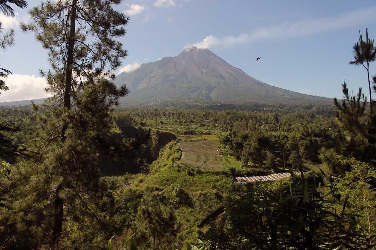 Keindahan Gunung Merapi Gardu Pandang Babadan Kuadaan Kab Magelang