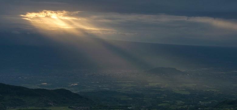 Sunrise Terbaik Magelang Layak Dikunjungi Gardu Pandang Mangli Matahari Terbit