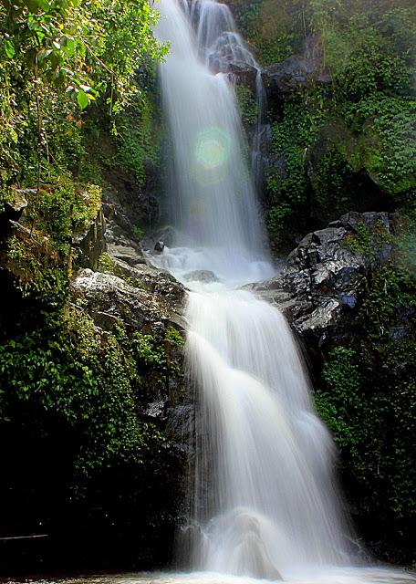 Top 17 Tempat Wisata Magelang Direkomendasikan Foto Pemandangan Air Terjun