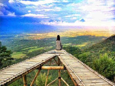 10 Gambar Punthuk Mongkrong Magelang Tiket Masuk Spot Selfie Rute