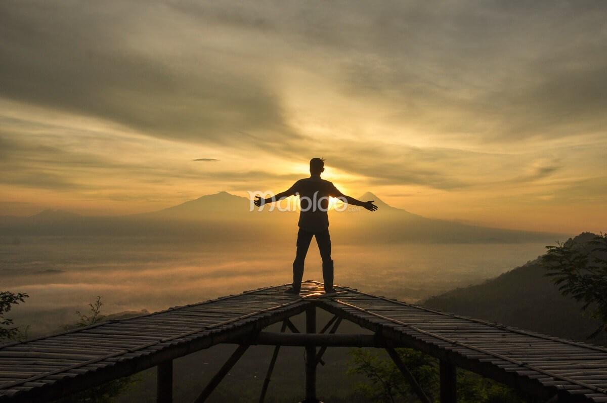 10 Tempat Asik Menikmati Sunrise Sekitar Borobudur Inilah Gardu Pandang