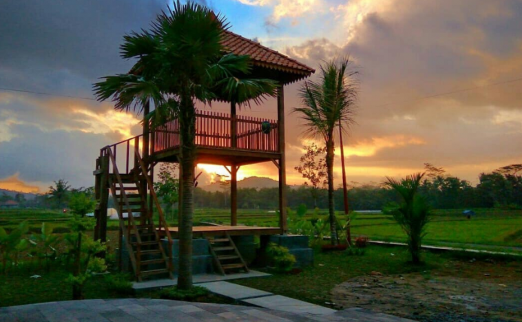 29 Tempat Wisata Magelang Terbaru Hits Dikunjungi Gardu Pandang Puthuk