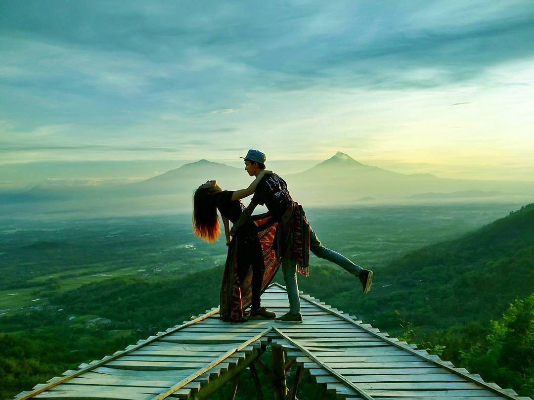 Eksotisnya Panorama Alam Tempat Wisata Punthuk Mongkrong Magelang Berada Hehe