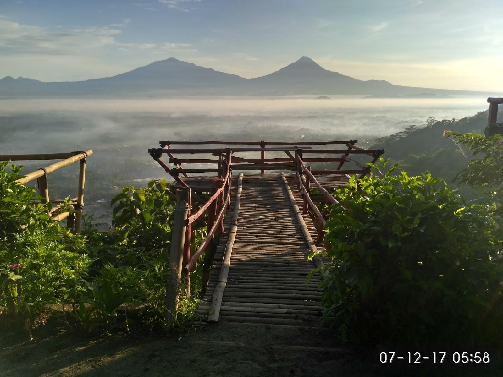 Mengejar Sunrise Punthuk Gupakan Traveling Diary Bisa Melihat Foto Diatas