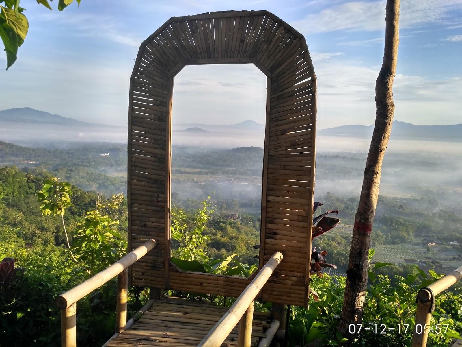 Mengejar Sunrise Punthuk Gupakan Traveling Diary Spot Foto Gubug Diatas