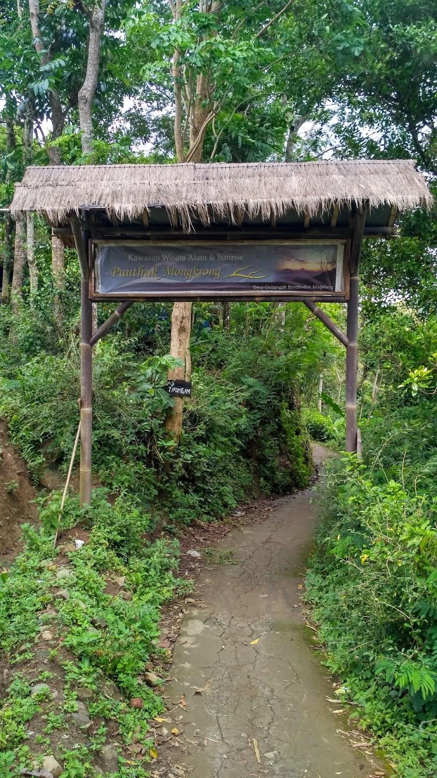 Menikmati Keindahan Alam Pegunungan Menoreh Punthuk Mongkrong Jalan Masuk Menuju