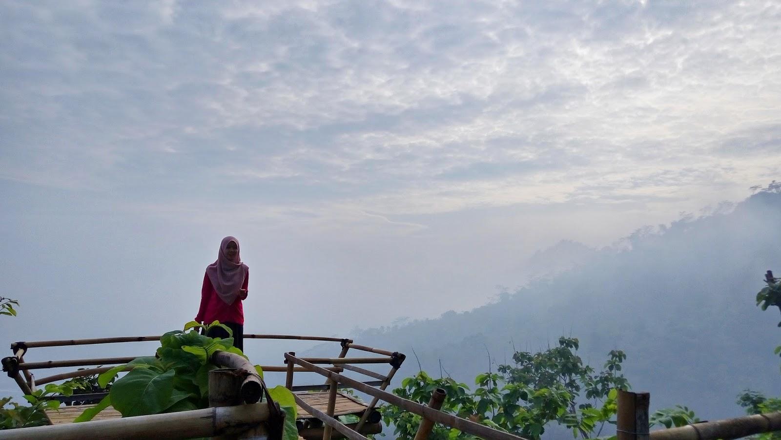Obyek Wisata Punthuk Kendil Magelang Jawa Tengah Fasilitas Gardu Pandang
