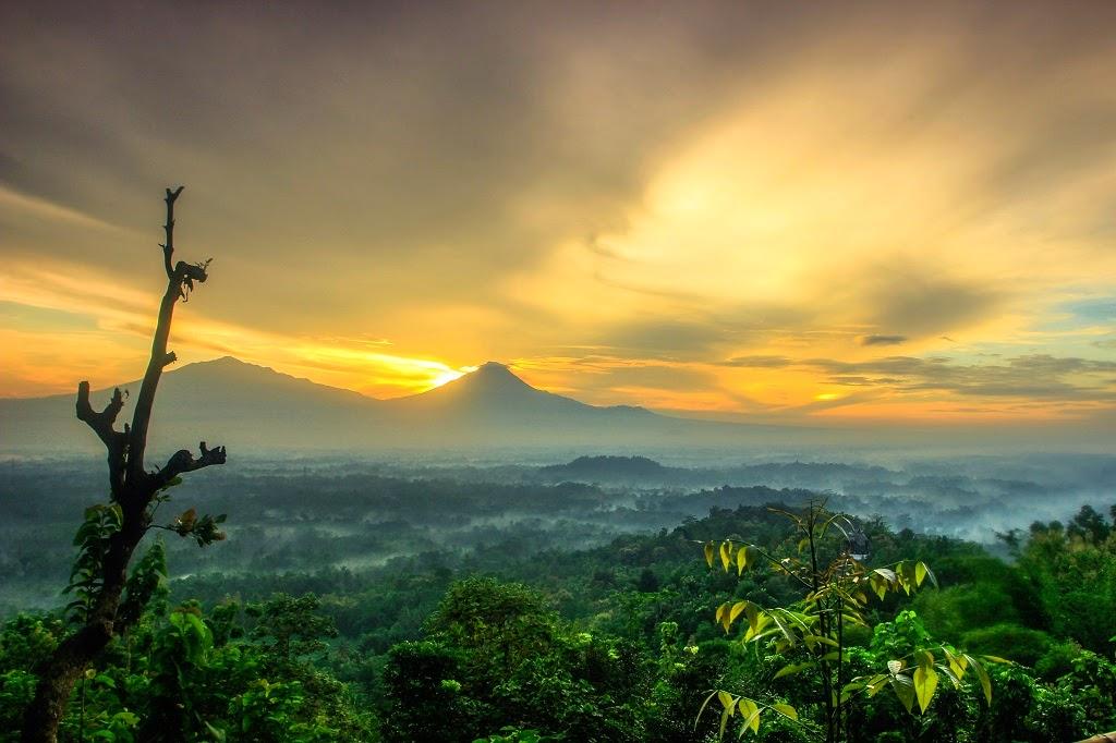 Pesona Berbagai Punthuk Sekitar Desa Wisata Borobudur Menikmati Sunrise Salah