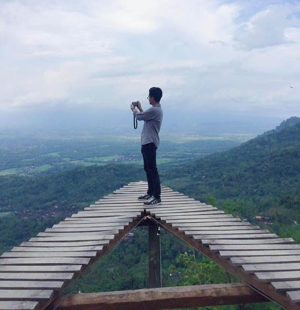 Top 17 Tempat Wisata Magelang Direkomendasikan Punthuk Mongkrong Gardu Pandang