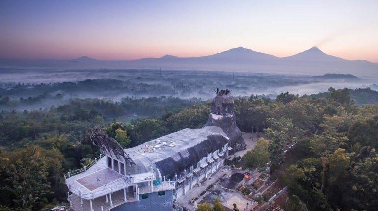 30 Tempat Wisata Magelang Populer Gereja Ayam Kab