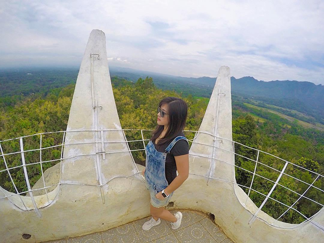 Bukit Rhema Saingan Punthuk Setumbu Magelang Traveling Yuk Pemandangan Puncak