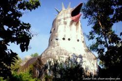 Gereja Ayam Tersembunyi Atas Bukit Turisma Travel Bangunan Menyerupai Sekilas