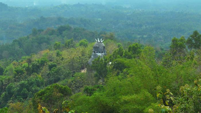Gereja Ayam Tersembunyi Puncak Bukit Meski Kurang Terawat Tetap Terletak