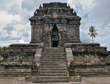 Tempat Wisata Magelang Kota Kabupaten Terbaik Candi Mendut Museum Bumiputera