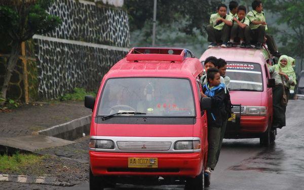 Transportasi Angkot Wisata Yogyakarta Magelang Menjelajah Kota Museum Bumiputera 1912