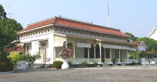 Choirunnisa Nabila Safitri Teks Sejarah Karesidenan Museum Diponegoro Karisidenan Dibangun