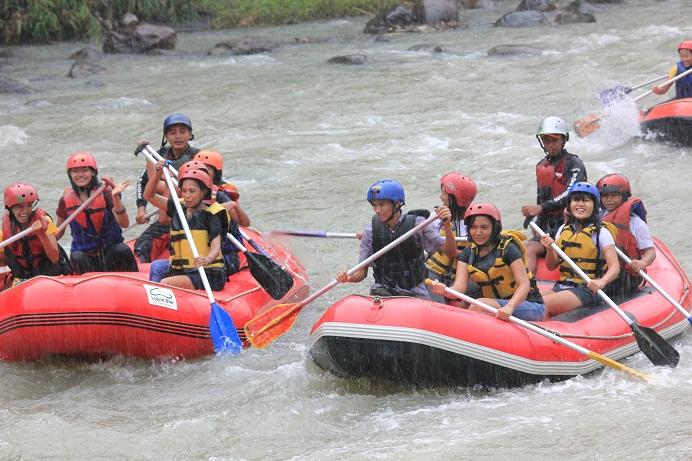 2013 Arung Jeram Magelang Jogja Paket Rafting Sungai Elo River