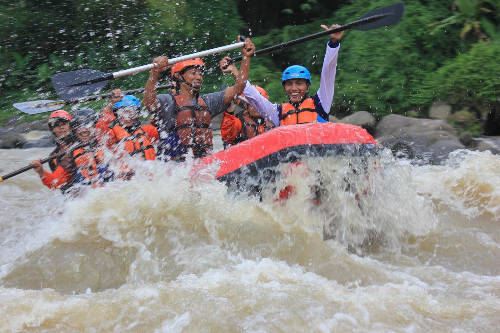 Arung Jeram Magelang Eo Outbound Jogja Rafting Sungai Elo Ello