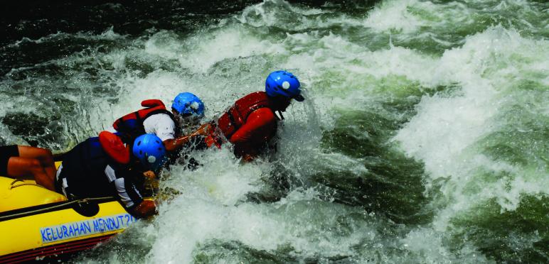 Arung Jeram Magelang Rafting Sungai Elo Paket Wisata Ello Kab