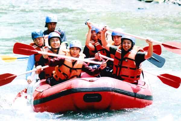 Arung Jeram Rafting Sungai Elo Magelang Pamungkaz Net Ello Kab