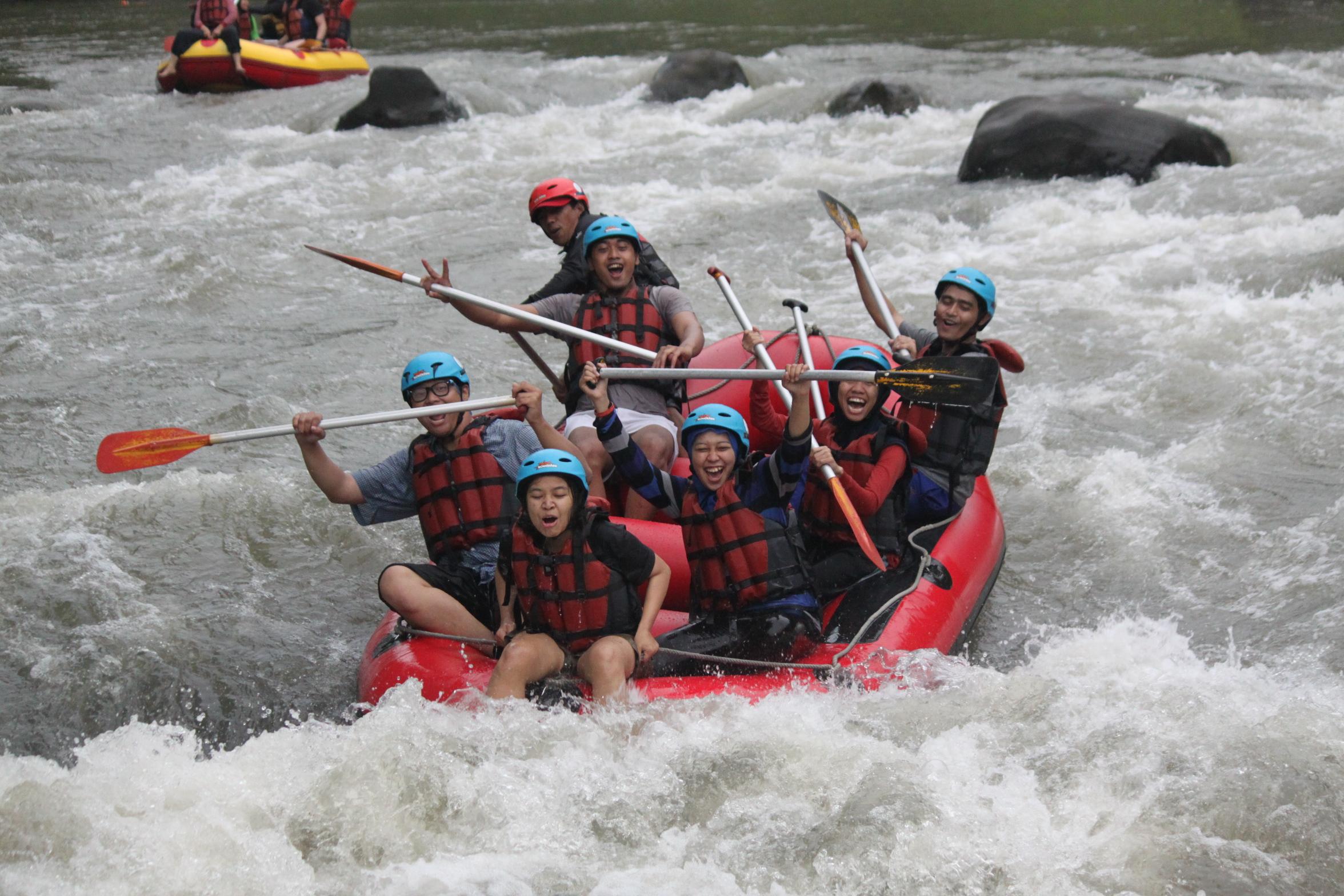 Arung Jeram Sungai Elo Rafting Ello Kab Magelang