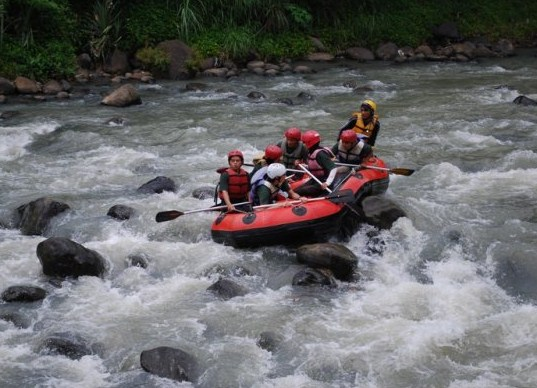 Elo River Rafting Arung Jeram Sungai Yogyakarta Jogja River7 Ello