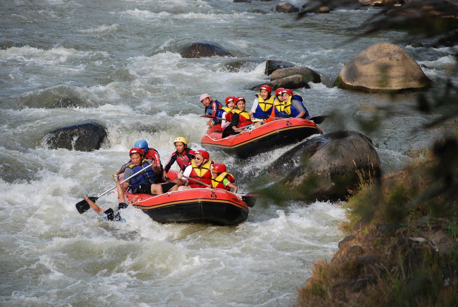 Harga Paket Arung Jeram Sungai Elo Magelang Jogja Rafting River