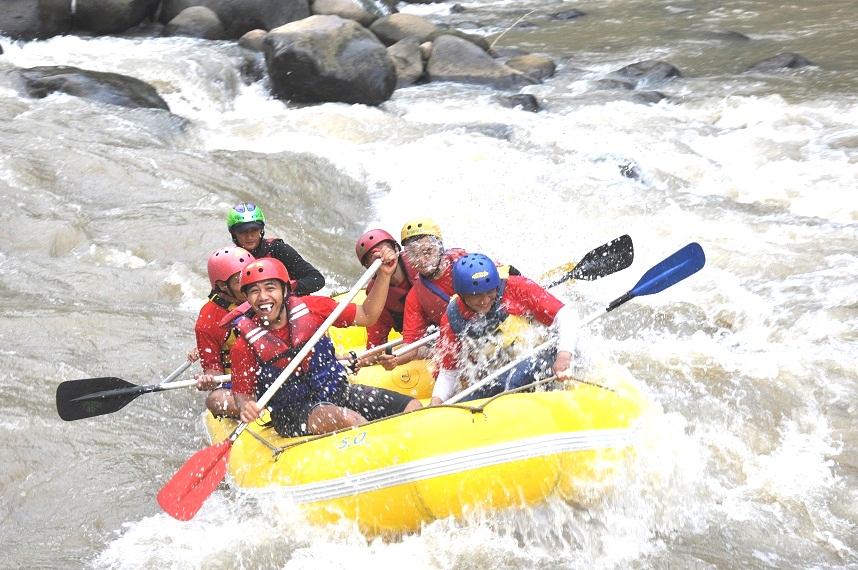 Rafting Elo River Arung Jeram Magelang Jogja Paket Sungai Harga
