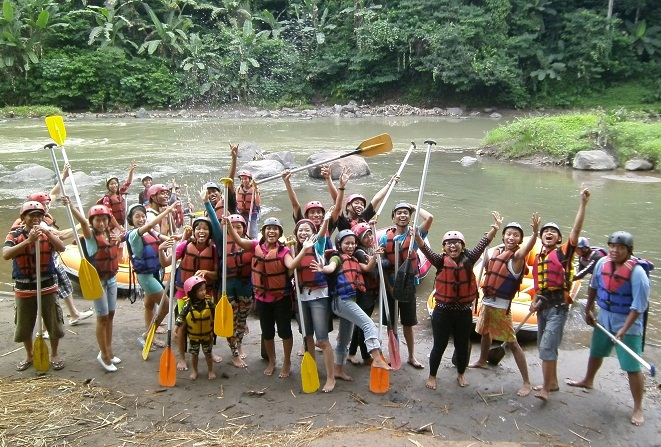 Rafting Elo River Arung Jeram Magelang Jogja Paket Sungai Sejenak